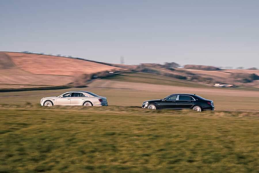 君可知,所謂豪華享受,意思並不限於寄身後座呼呼大睡,這兩部車之中便有一方符合此一要求。那麼世上最美好的汽車到底出自何門何派呢?