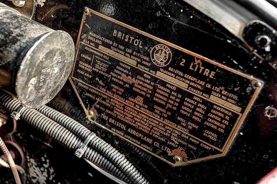 涌井為離世舊相識「託管」貴重的Bristol。他對古典車的心態是要延續其生命,讓它永遠傳承下去,不僅接收車子,也繼承前車主的心志。
