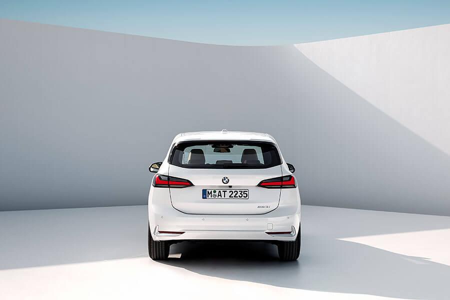 這裡有人在等全新一代BMW 2 Series Active Tourer嗎?沒有的話,我輩晚點再問一次!